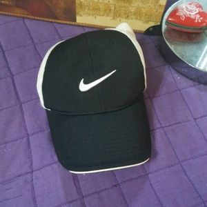 Nike Golf black & white fitted cap